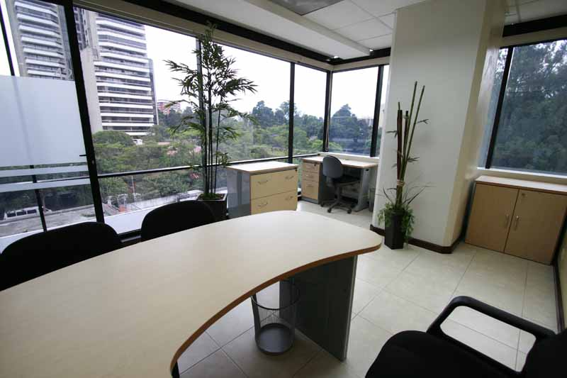 1-corner-office-2-a-3-pax