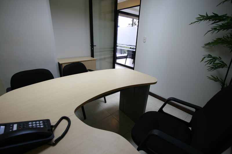 8-executive-office-1-pax-sin-vista